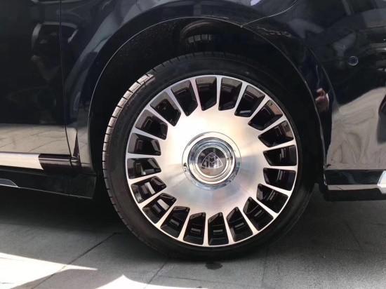 19款奔驰V260加装高性能迈巴赫套件