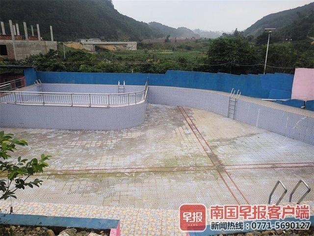 年轻男子在泳池内溺水身亡 涉事山庄无证经营