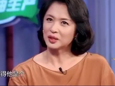 周星驰为什么不结婚,朱茵是这么对金星说的:没结婚不一定是单身