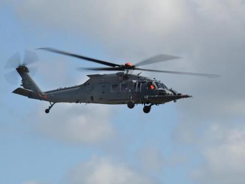 美国空军最新黑鹰直升机首飞,用途十分特殊,直20尚无同类机型
