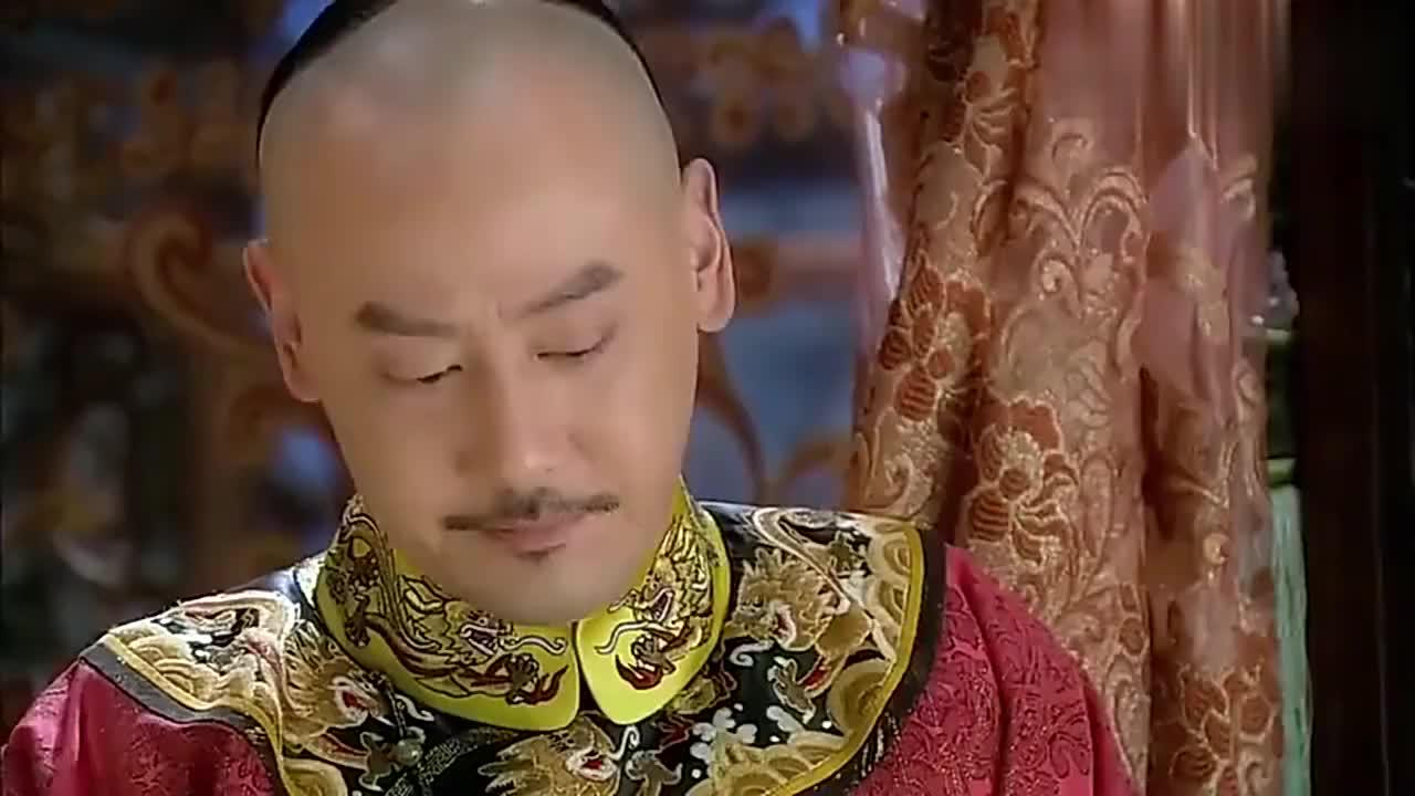 还珠格格:皇上亲自看望受伤的小燕子,抱着父亲痛哭流涕