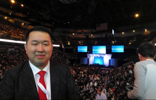 巴菲特在五万人面前称赞他,M创新工场CEO朱修健凭什么独享股神青睐