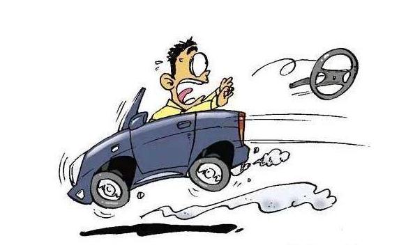 同时踩离合、刹车有多严重呢?老司机道出实情,了解后吓一大跳