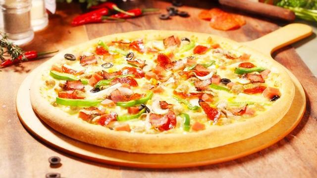 在家做披萨的2个方法,操作方便又省钱,而且和肯德基一样美味