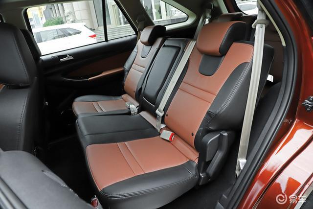 捅破国产天花板,自动挡要比手动贵14万,这款SUV为何这么突出?