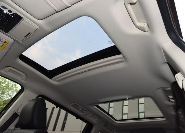航空座椅+双天窗,这款MPV带电动侧滑门,百公里油耗仅5.8L