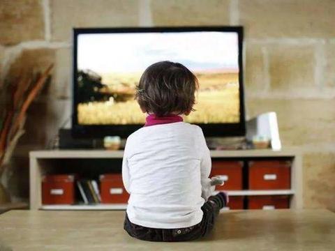 宝孩子爱看电视,没想到,这5个方法居然治好了电视瘾