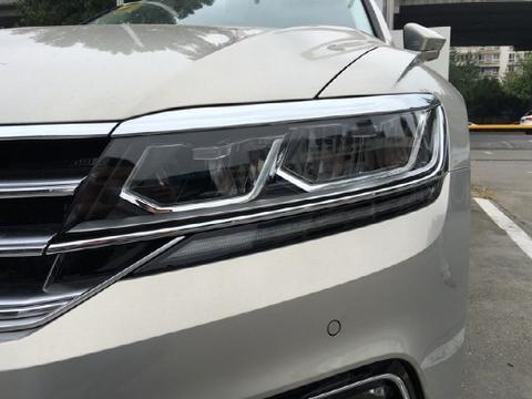 大众继辉腾以后,又一款豪车卖不动了,月销量1500台,降价近10万