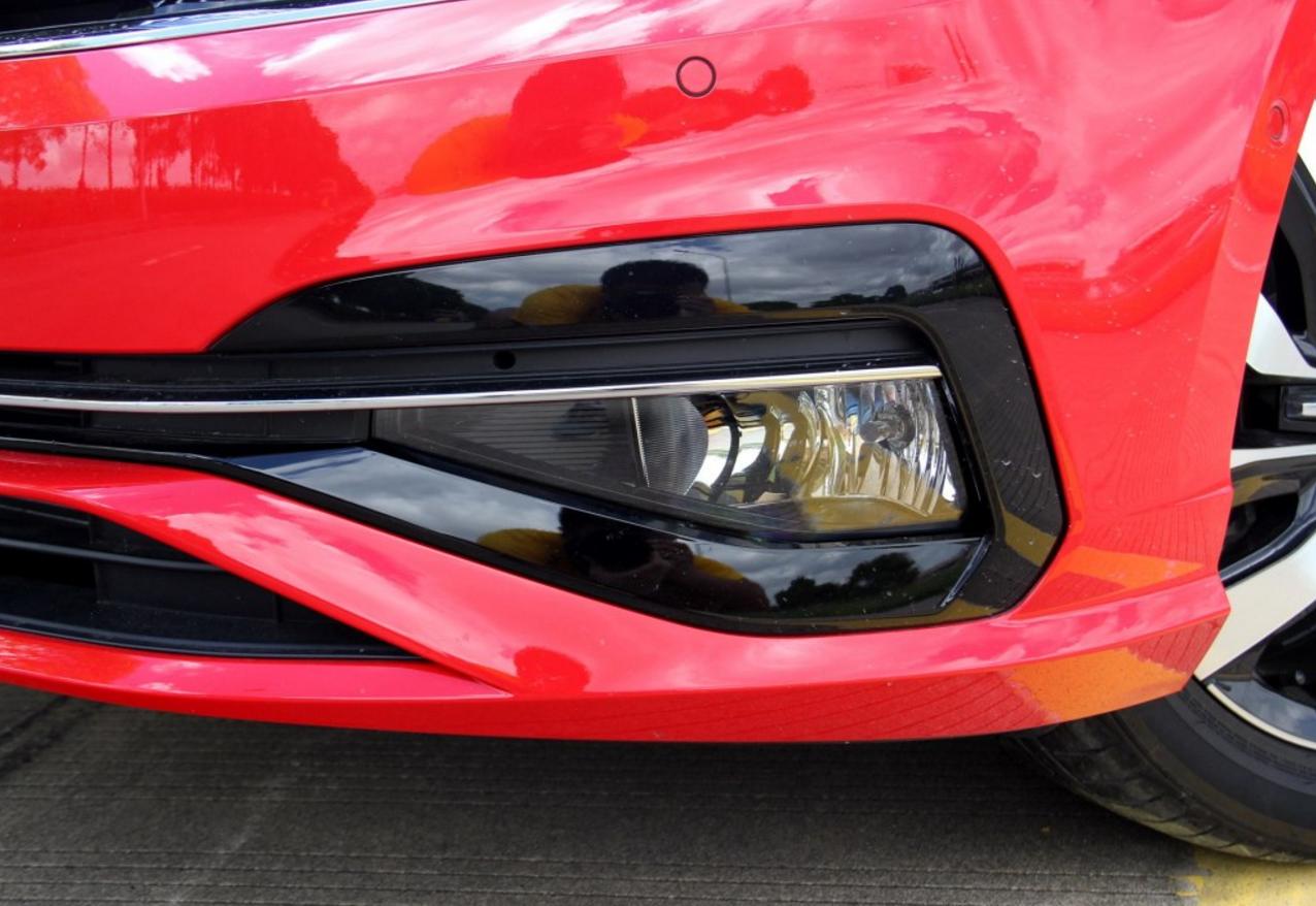 新款降3万成为轩逸的对手,搭载1.4T油耗5.4L,配独立悬架