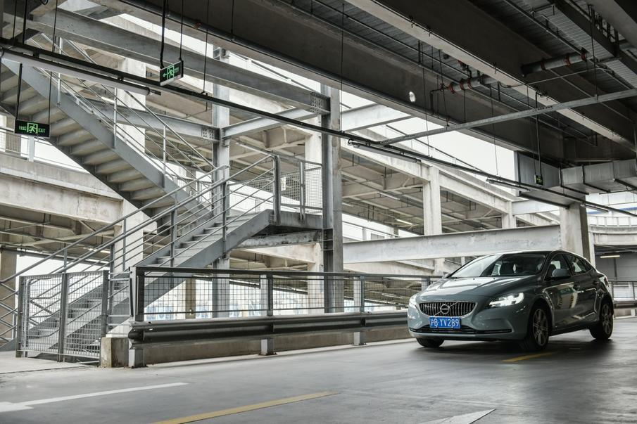 """告别北欧性冷淡风,VOLVO这款车给人最深刻的印象竟然是""""情调"""""""