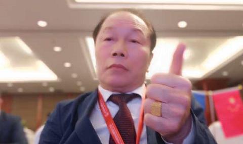 著名收藏家田太华出席民族品牌之路活动并接受央视釆访