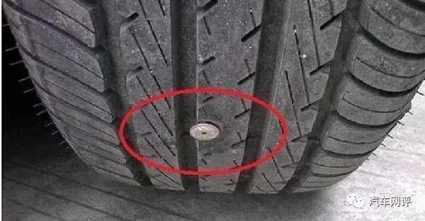 高速漏气爆胎太危险?老司机都悄悄在车里常备一物 网友:快告诉我