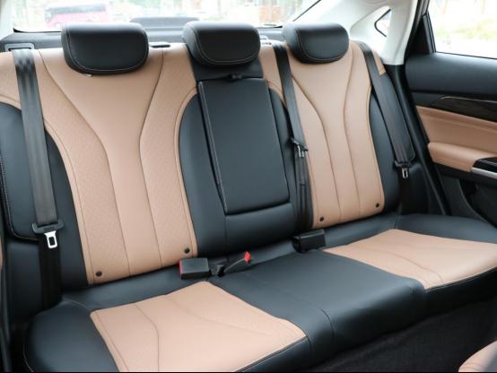 舒适性和动力性:北汽A6、全新帝豪动静间各显其能