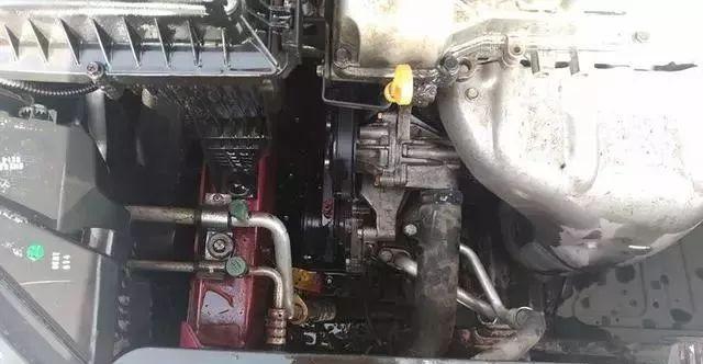 宝骏310车主奇葩保养:机油盖忘拧上 4天后机舱彻底沦陷