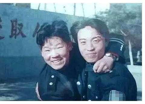 老照片里的回忆:当过保安的岳云鹏,养过大象的孙越……