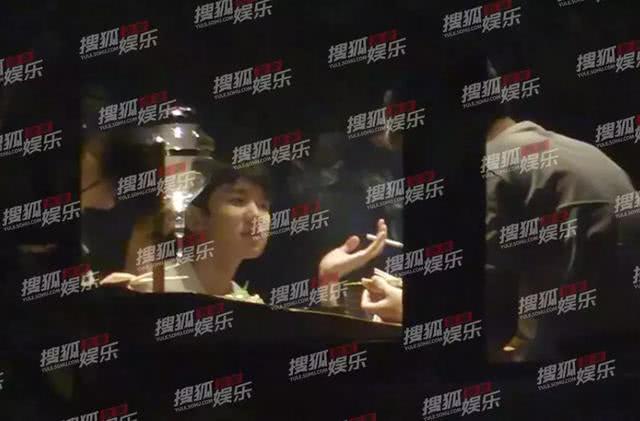 王源刚接受完调查 陈伟霆余文乐也被发现室内吸烟