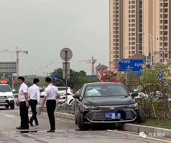 坑日奇侠传记!刚上市的亚洲龙就被一汽搞臭了 试驾车就断轴
