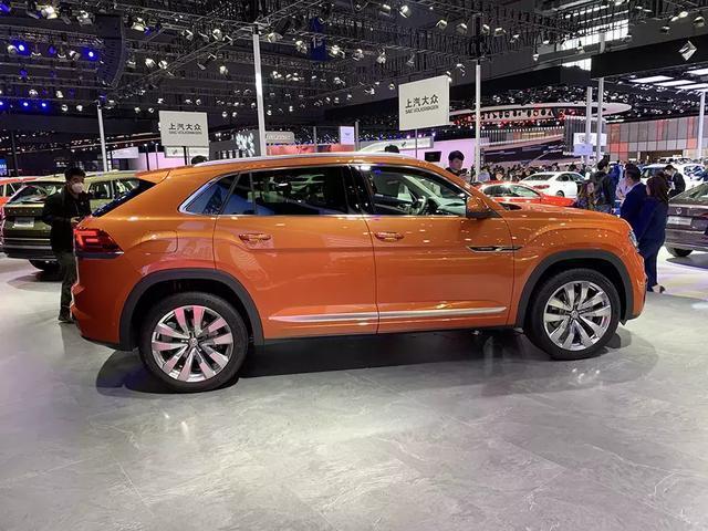 又一新车即将上市,2.5T V6动力的上汽途昂X,还配有6种颜色喷漆
