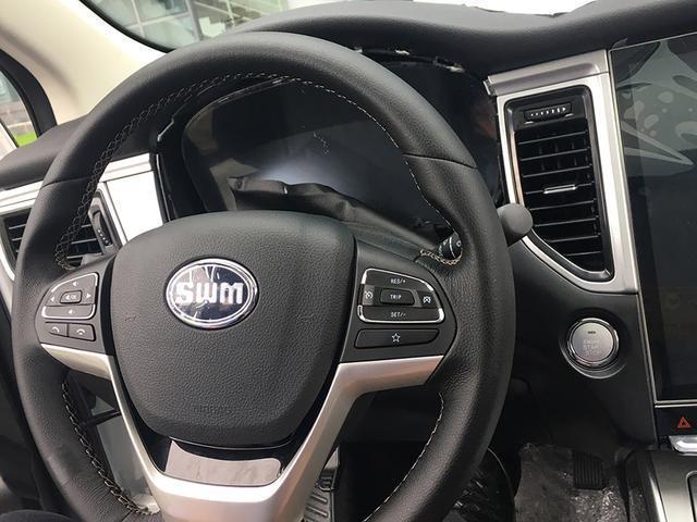 又一款7座中型SUV即将震撼来袭,内饰那12英寸的触控屏很吸睛