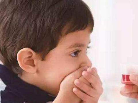宝宝脖子变歪,是基因遗传?不,只因父母这样抱娃