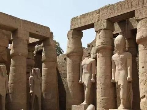 世界上最古老的国家,历史悠久、名胜古迹众多,顶级的旅游胜地