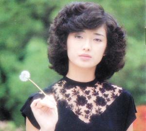 她与张嘉译刘烨合作《建党伟业》,今与女儿隔屏对唱,感动无数人