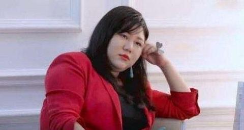 杨天真爆料8线明星片酬,说出来的数字,让网友们坐不住了