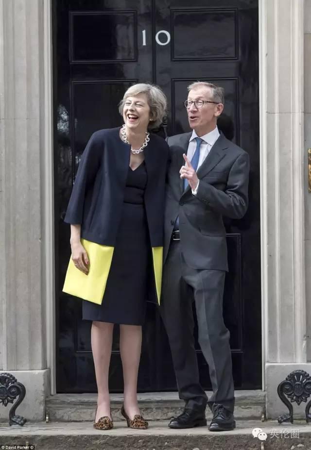 梅姨哽咽 卡梅伦挥起小手 英国历任首相都怎么告别?
