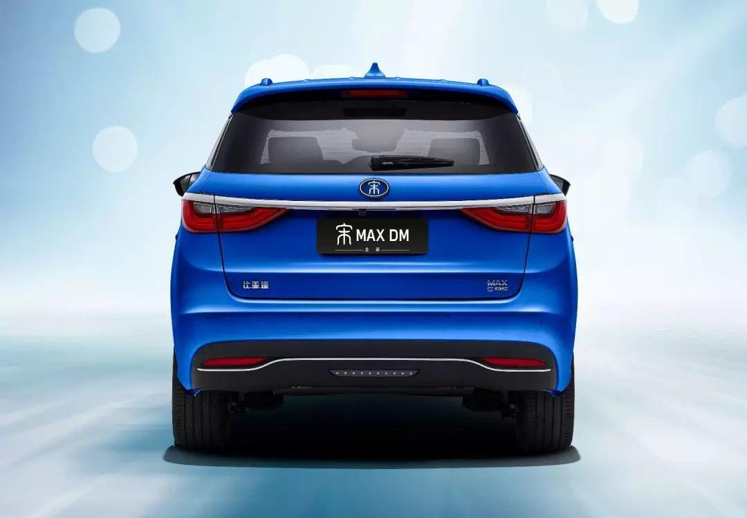 大反转 燃油车下滑14.7% 新能源车增长83.8% 谁是特殊贡献者?
