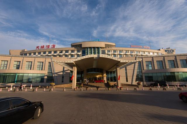 新疆自驾游一趟要花多少钱?是开自己的车划算还是租车划算呢?