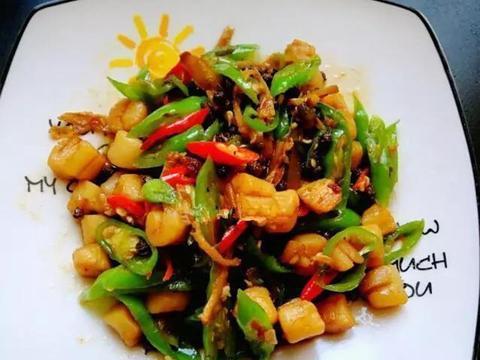美食推荐:青红椒炒贝肉,豆皮卷金针菇,白灼青瓜花,韭苔小炒肉