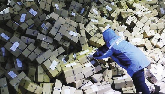 顺丰负债逾300亿 相关企业猛追猛打:快递行业进入新的洗牌期
