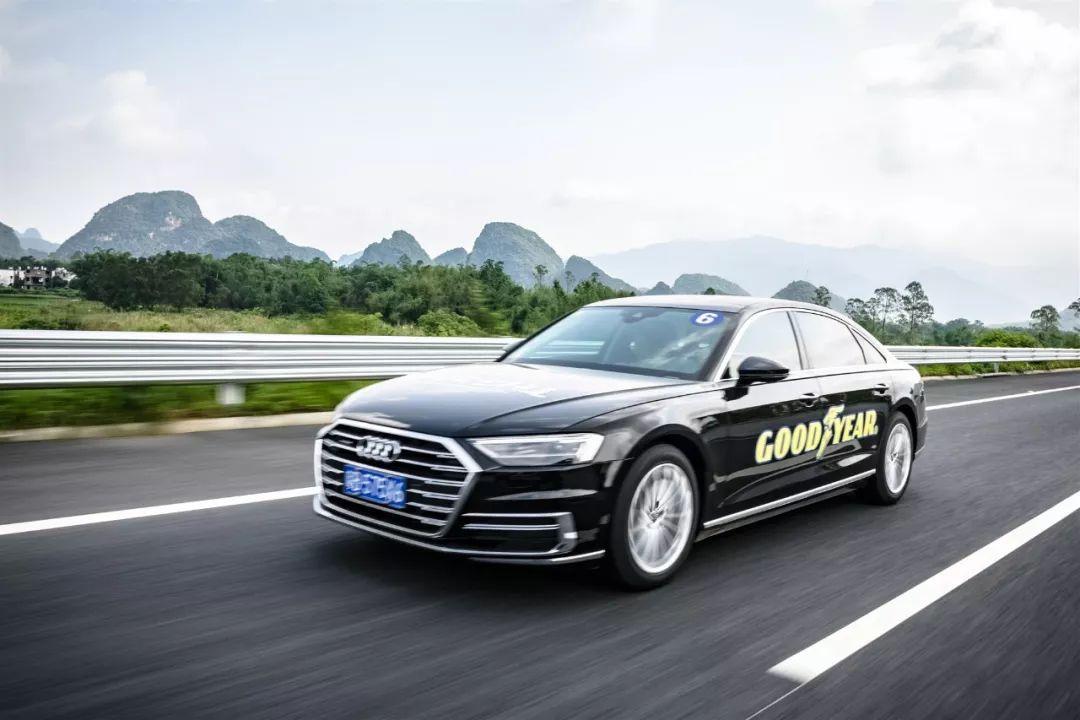 这家上过天的赛车之王公司,正在用科技改变驾驶