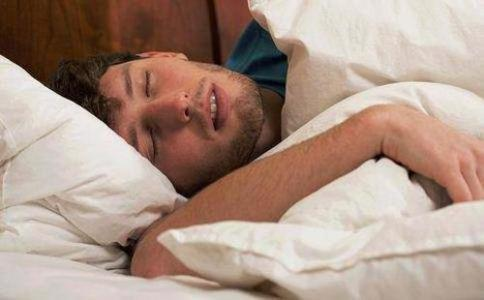 为什么睡眠不足伤害血管?最新研究发现可能与动脉粥样硬化有关