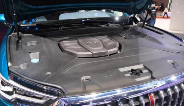 红旗首款SUV终于上市了!18.38万起售,还有酷似奔驰的双连屏