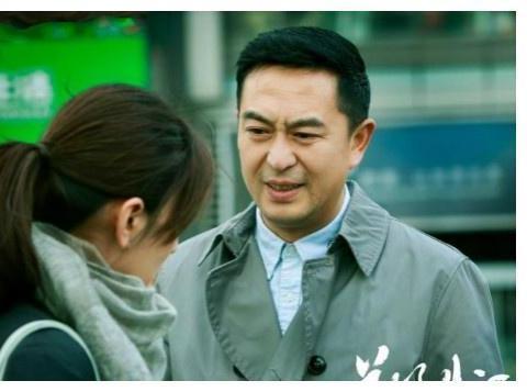 张嘉译主演的《美好生活》,是一部适合高温天儿宅在家里追的好剧