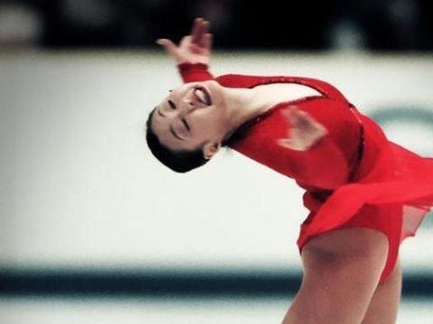 她是第一花滑世界冠军, 虽嫁外国人但仍让儿女入中国国籍!