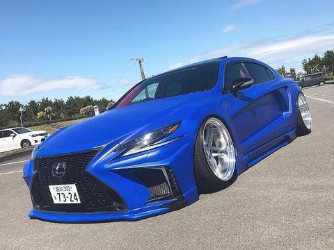重口味版雷克萨斯LS改装车来了,蓝色涂装+宽体+气动避震帅呆了