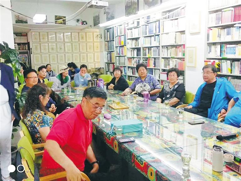 海南老年大学文学类课程受追捧 老年人阅读氛围浓厚