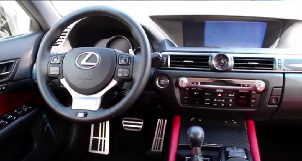 雷克萨斯GS F一款集速度与驾驶体验为一体的神车
