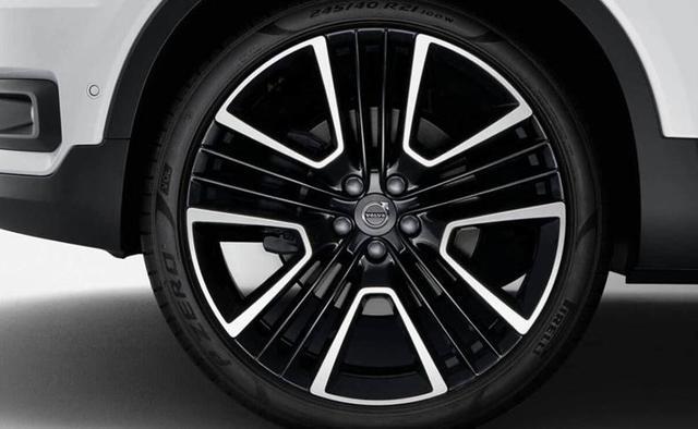 国产沃尔沃XC40上市,3种动力26万起售