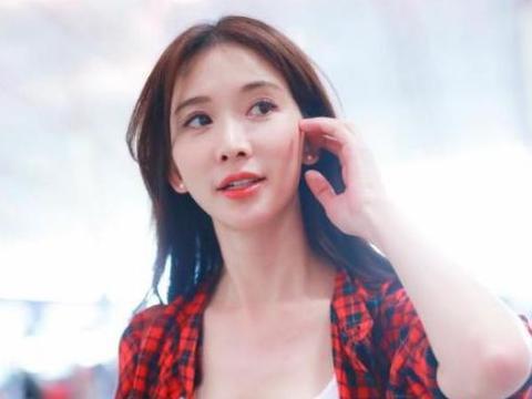 44岁林志玲近照曝光,脸部浮肿大变脸,网友:颜值一言难尽!