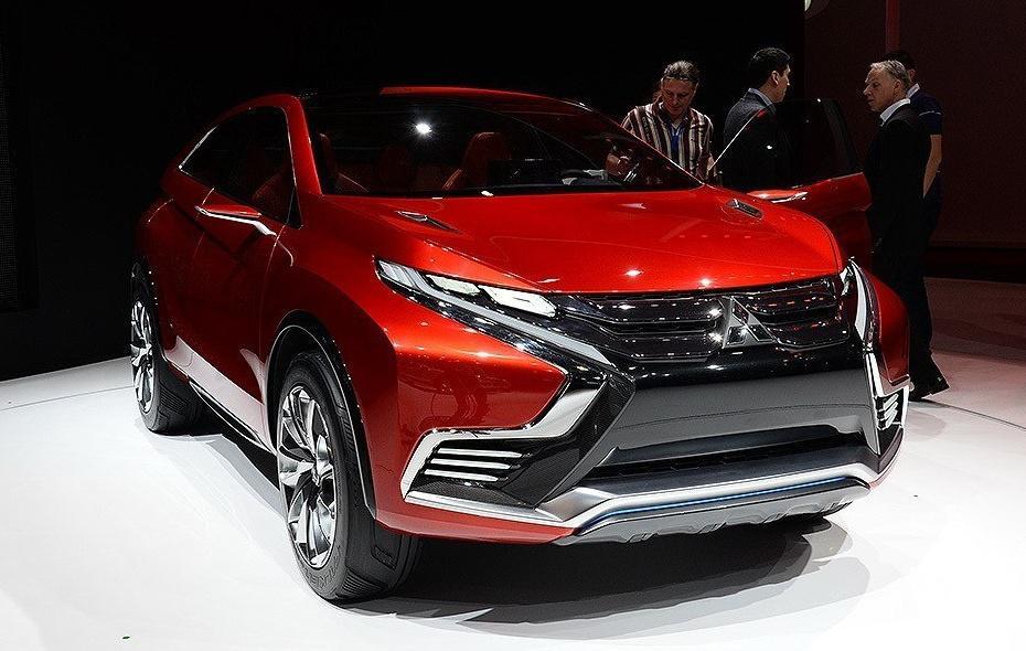 三菱终于发威了,首款混动SUV总算亮相,油耗3.6升破百3秒
