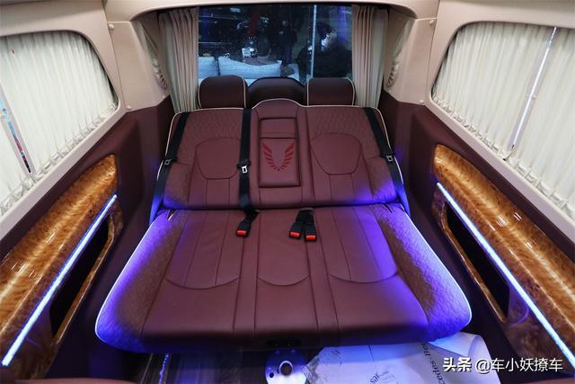 加价40万的埃尔法才是豪华MPV首选?看看这台19款奔驰V260房车