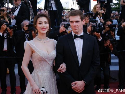 刘翔前妻葛天亮相戛纳红毯,皮肤白皙身材高挑好亮眼