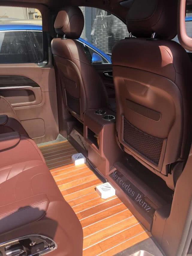 新款奔驰V260级系列商务车改装,定制豪华座驾就选它了