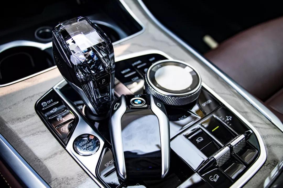 谁说大尺寸SUV没有驾驶乐趣 试驾宝马X5