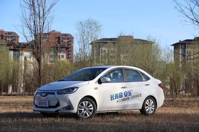 磷酸铁锂电动汽车有哪些可选?江淮快包场了