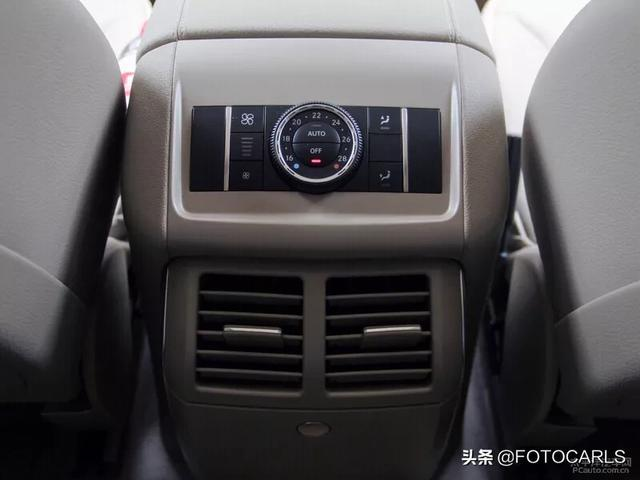 实拍奔驰R级R320臻藏版,售价61.8万,奔驰最失败的车?