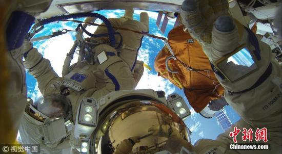 這條毛巾在外太空飄了10年 終被俄宇航員回收